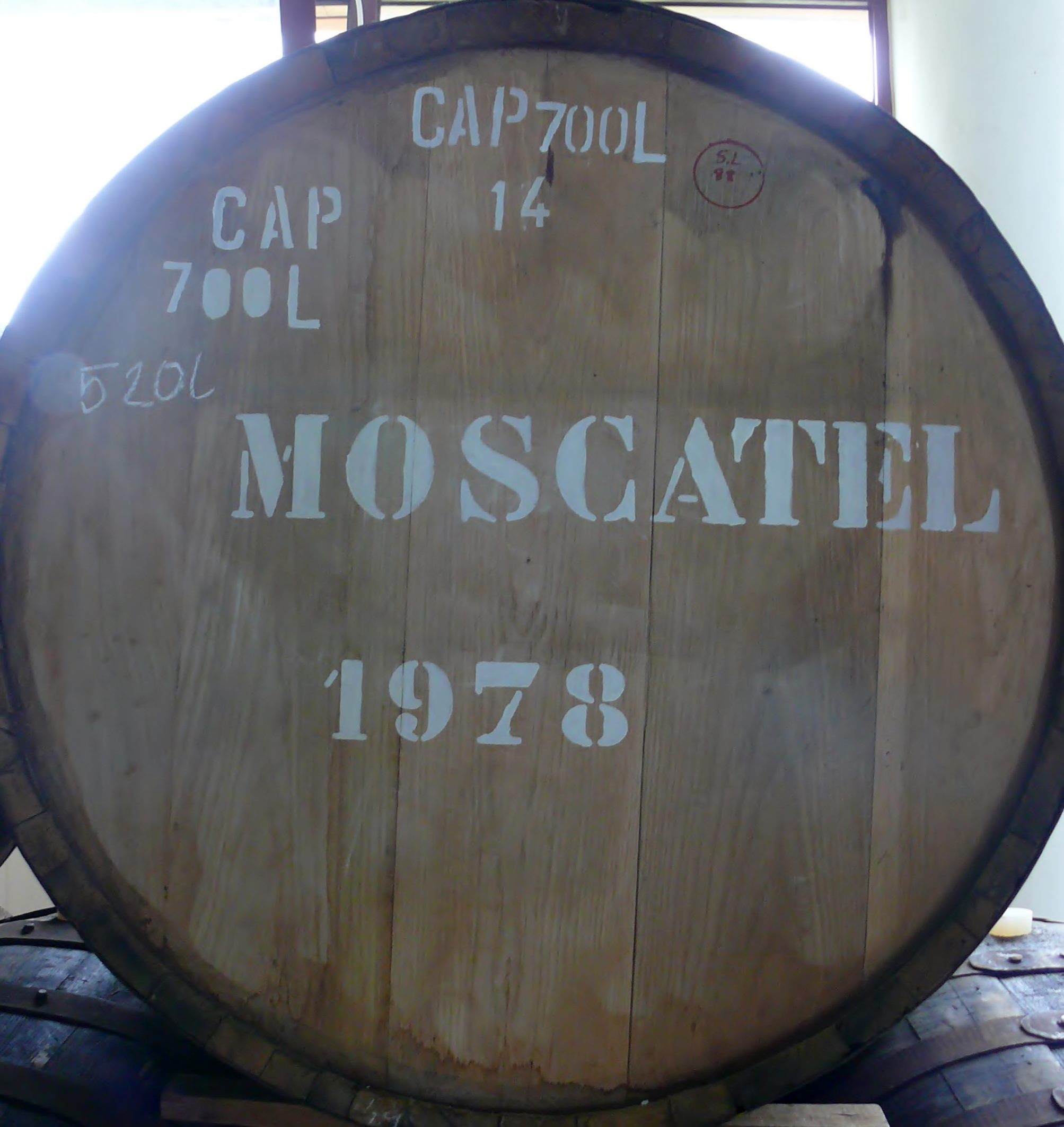 Moscatel at Henriques and Henriques
