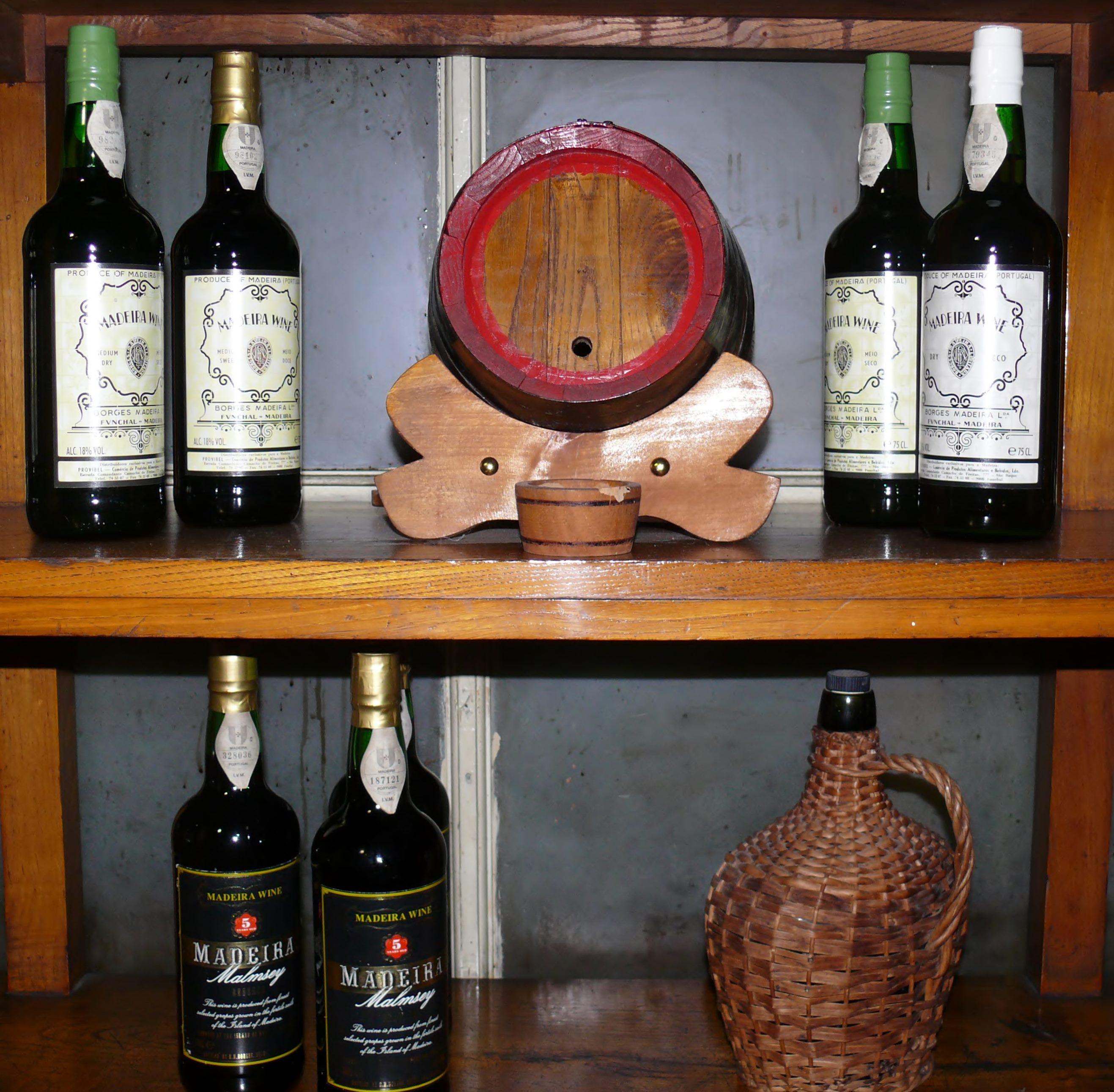 Borges tile bottles