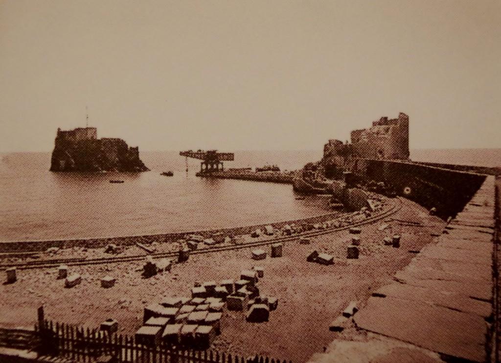 Building Funchal breakwater 1890