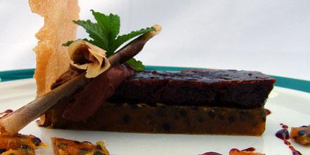 Caramelized honey cake